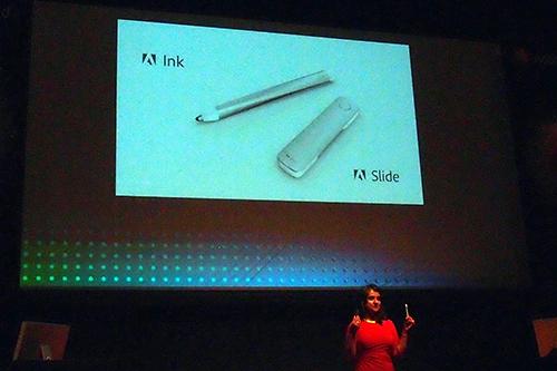 アドビインクとスライド。いわゆるスタイラスペンと定規です。