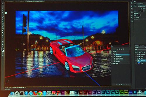 Photoshop CCのデモ。まずは2D写真の背景に3D画像を乗せる合成、テクスチャ、反射などをデモ。